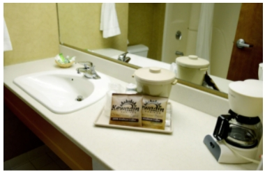 kewadin-sault-ste-marie-bathroom-bsCiBzGApZkFByzw.png